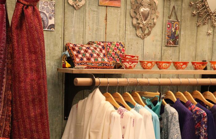 voyager dans la nouvelle boutique de fragonard paris select. Black Bedroom Furniture Sets. Home Design Ideas