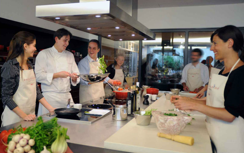 Le top 5 des coles de cuisine paris select for Alain ducasse ecole de cuisine