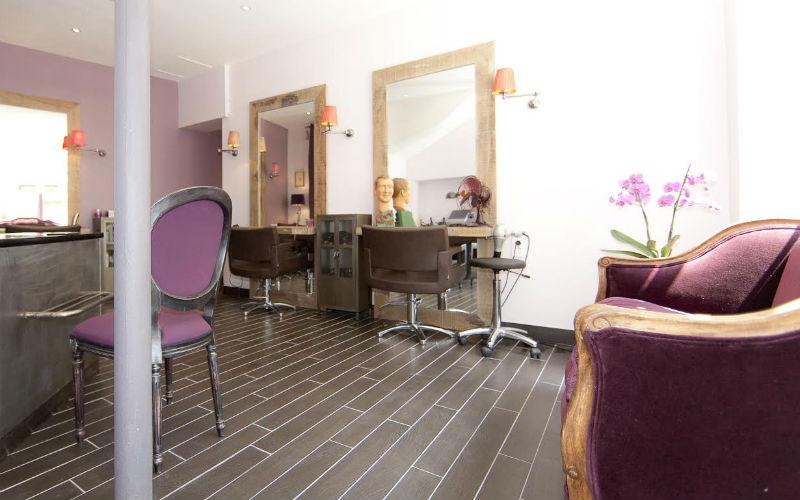 Secret de cour un salon de coiffure chic et cosy paris for Secret de paris booking