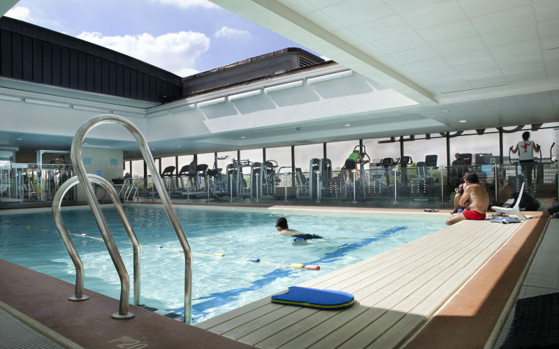 Quelle piscine parisienne pour se d lasser paris select for Piscine 75015