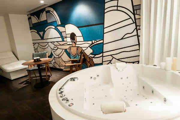 spa de l 39 ouest parisien clarins molitor paris select. Black Bedroom Furniture Sets. Home Design Ideas