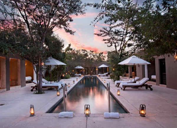 Et si on f tait no l dans une villa de luxe paris select for Villa de luxe paris